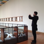 Ivano Troisi negli spazi del Museo Archeologico Provinciale di Salerno per sopralluogo, copyright ph. Fondazione Filiberto Menna.