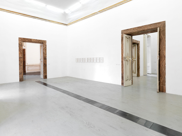 Carl-Andre-2013_installation-view-3