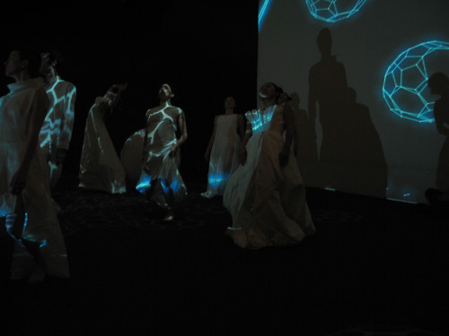Nano_dancers