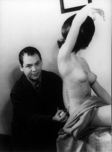 5_FOTO MANZONI Scultura vivente 1961