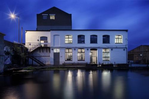 the-white-building-david-kohn-architects-gessato-gblog-6