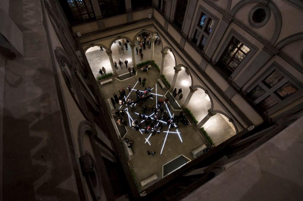 Bianco-Valente, Tu sei qui, Cortile di Palazzo Strozzi, 2014 foto Martino Margheri 07
