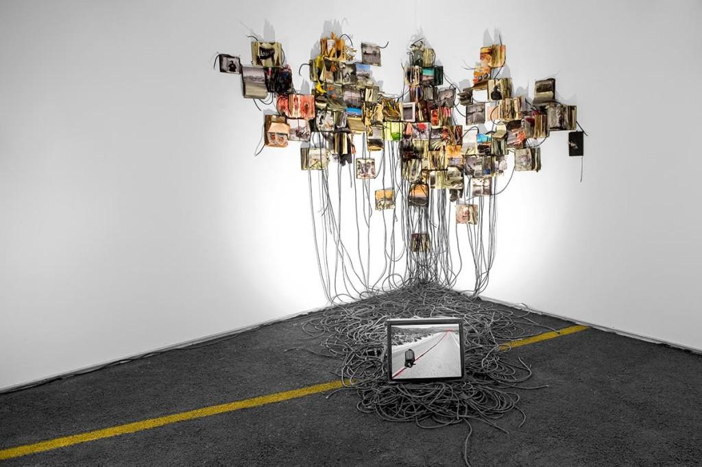 Daniele Girardi - I ROAD - 2011 - Installazione site-specific - Collezione privata