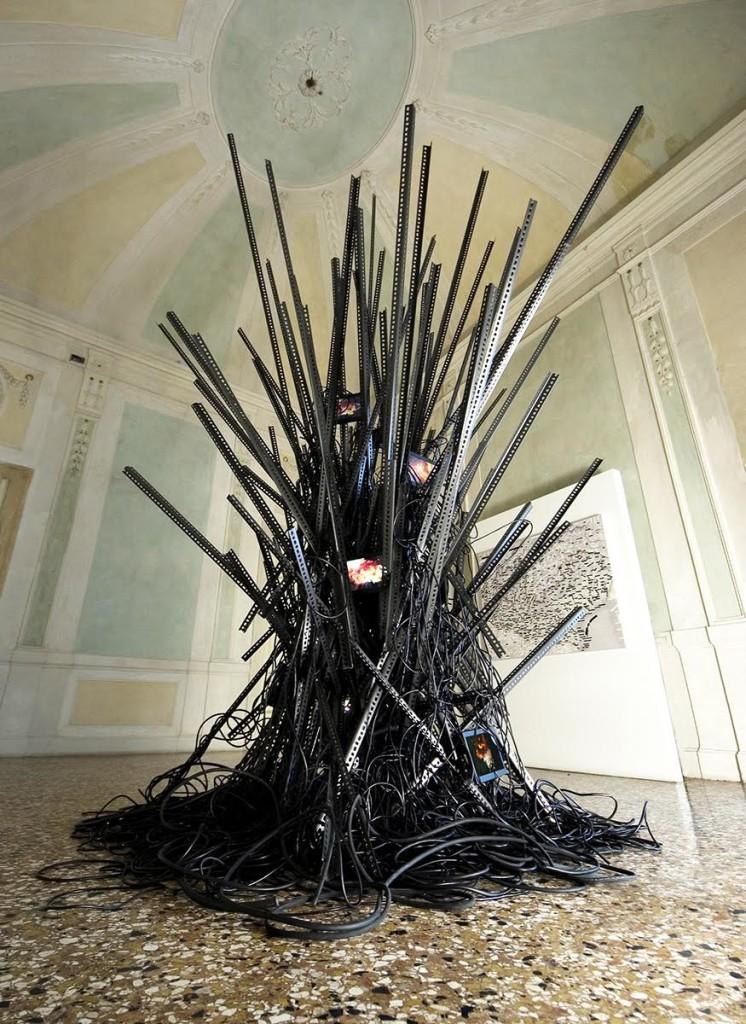 Daniele Girardi - What remains - 2012 - Video scultura - GAM Palazzo Forti Verona