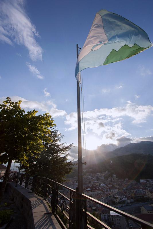 08 Eugenio Tibaldi, Una bandiera per Latronico, 2010-2011 IMG_9209
